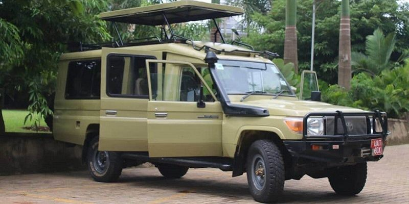 4X4 Safari Land Cruiser